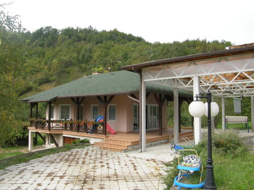 Individual family house with apartments, BiH